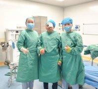 姚晓明博士亲临赣州华厦眼科医院,成功为2名患者实施角膜移植手术!